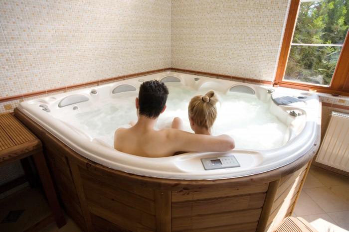 le spa pour 2 est le meilleur choix pour l 39 int rieur. Black Bedroom Furniture Sets. Home Design Ideas